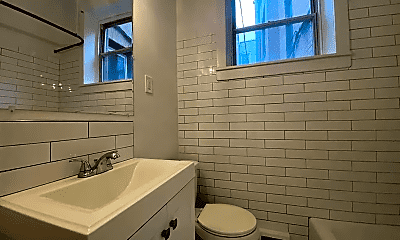Bathroom, 336 Lombard St, 2