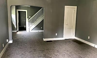 Living Room, 802 N Bradley Ave, 1
