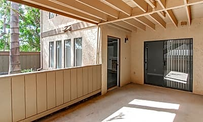 Patio / Deck, Heatherwood Apartments, 2