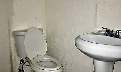 Bathroom, 2623 Cherry St, 2