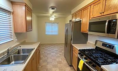 Kitchen, 740 Vineyard Rd, 1