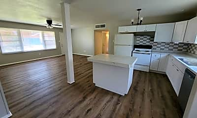 Kitchen, 3309 Thomas Ave, 1