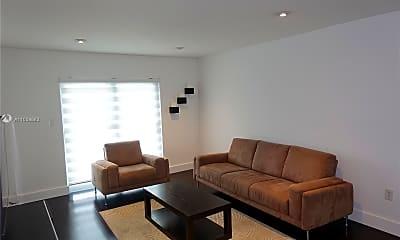 Living Room, 1519 Drexel Ave 404, 1