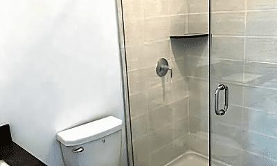 Bathroom, 25 Eleanor St, 1