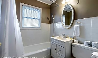 Bathroom, 210 Thurman Ave, 1
