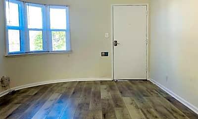 Living Room, 1502 Maple St, 2
