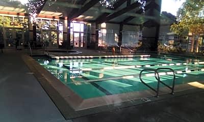 Fellowship Plaza, 2