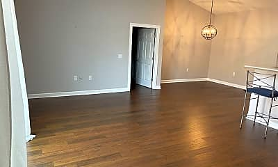 Living Room, 310 Monlandil Dr, 1