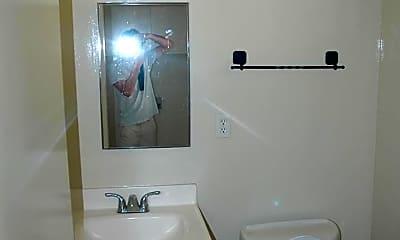 Bathroom, 17450 Van Ness Ave, 2