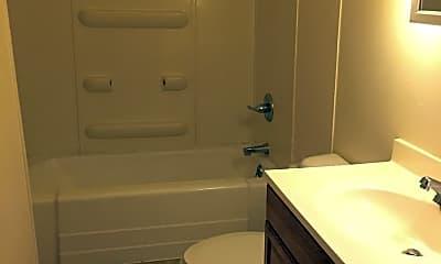 Bathroom, 1027 W Jefferson St, 1