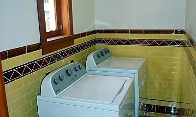 Bathroom, 191 N Grand St, 2