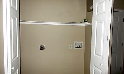 Bathroom, 5802 Foxboro Dr, 2