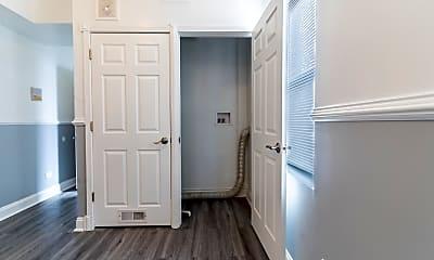Bathroom, 5801 S Sangamon St 1N, 2