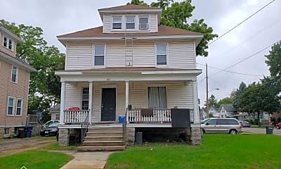 Building, 861 Wisconsin St, 1