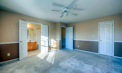 Living Room, 906 Pinnacle Dr, 2