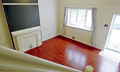 2425 Carpenter St, 0