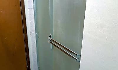 Bathroom, 125 E Cannon St, 1