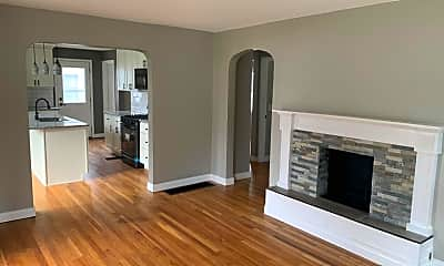 Living Room, 4550 Cooper Rd, 1