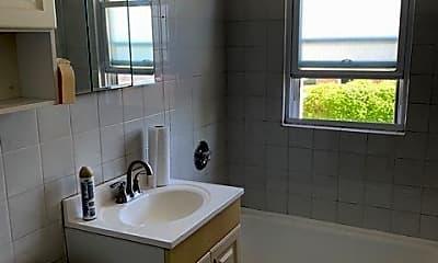 Bathroom, 4817 Hull St 2B, 2