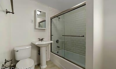 Bathroom, 131 Flower St, 2