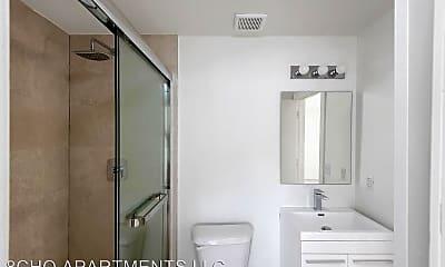 Bathroom, 821 SW 18th Ave, 1