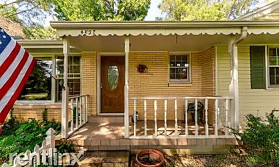 4827 S Palmer Ave, 1
