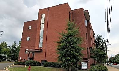 Crossings at Fourth & Preston Apartments, The, 1