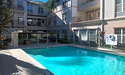 Crestridge Senior Condominiums (ZON201200067) with club house, 2