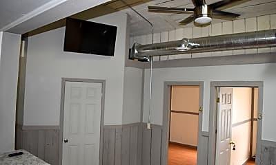 Bathroom, 502 S Pine St, 2