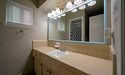Bathroom, Room for Rent -  a 5- min Drive to William P. Hobb, 1