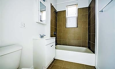 Bathroom, 3560 W Cermak, 2