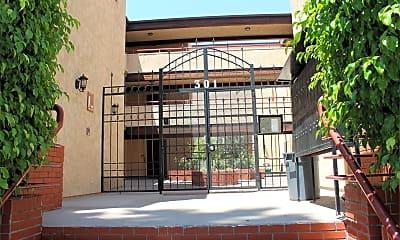 Building, 301 E Fairview Ave, 2