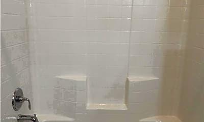 Bathroom, 944 Coles Creek, 2