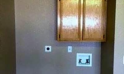 Bathroom, 5004 Heather Ln, 2
