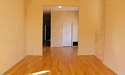 Living Room, 2900 W Lexington St, 1