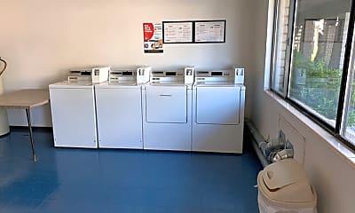 Kitchen, 570 Grand Canyon Blvd, 2