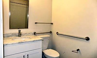 Bathroom, 605 Park Ave, 2