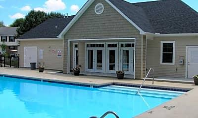 Pool, Laurel Bluff Apartments & Townhomes, 2