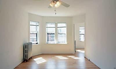 Living Room, 738 W Aldine Ave, 1