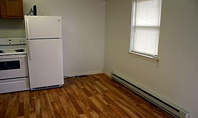 Kitchen, 75 Agway Ln, 1