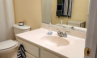 Bathroom, 712 Crooked Creek Dr, 2