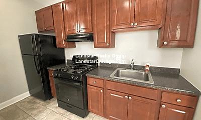 Kitchen, 4107 W Melrose St, 1