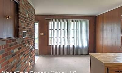 Living Room, 824 W Wayne St, 1