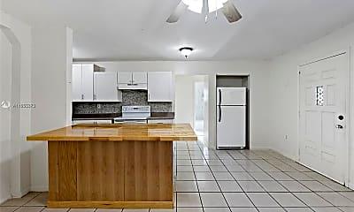 Kitchen, 2809 SW 23rd Terrace, 2