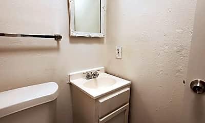 Bathroom, 615 Adams St, 2