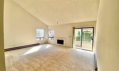 Living Room, 1051 108th Ave NE, 1