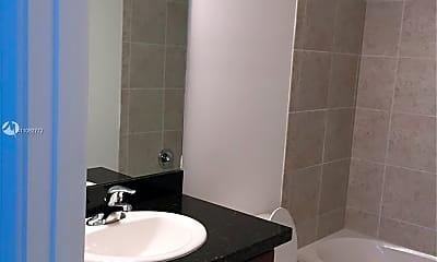Bathroom, 11324 SW 15th St, 2