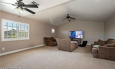 Bedroom, 8462 Gardena Hills Ave, 2