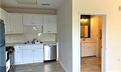 Kitchen, 978 S Mariposa Ave, 1