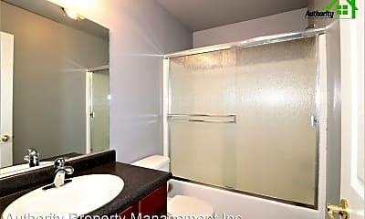 Bathroom, 1729 Laurel Ave, 2